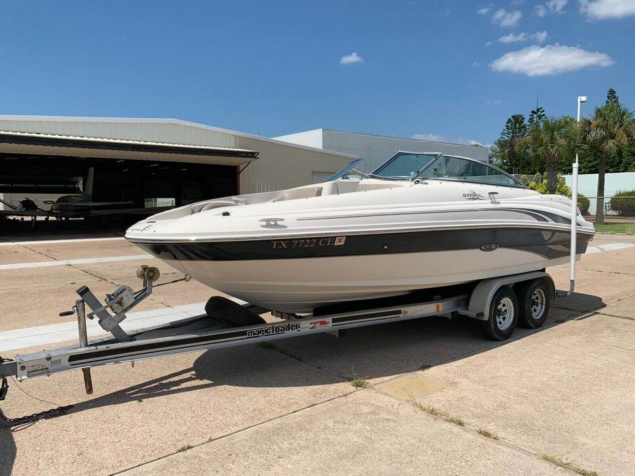 Transport A 2002 Sea Ray Sundeck 220 No Reserve Needs Work
