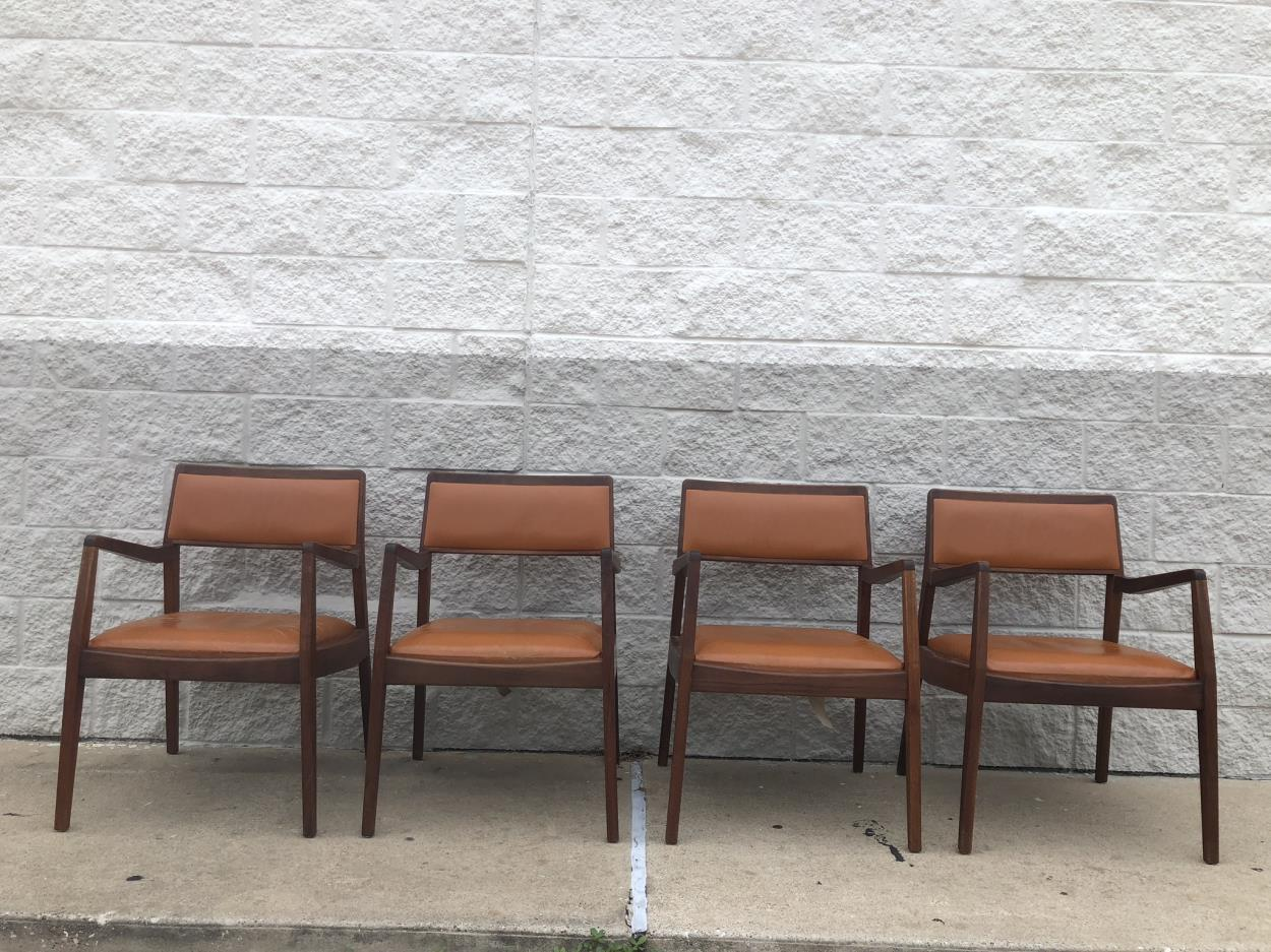 Cost to Deliver a Set of dining chairs to New Orleans | uShip
